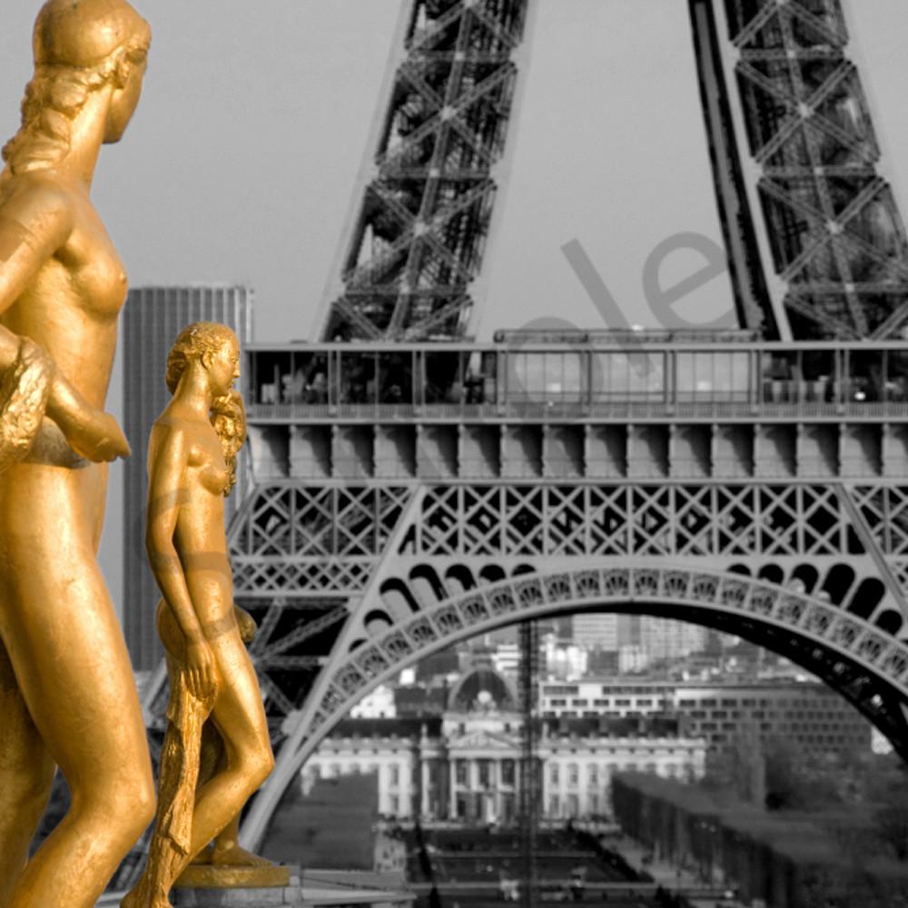 Gold statues paris rjyapb