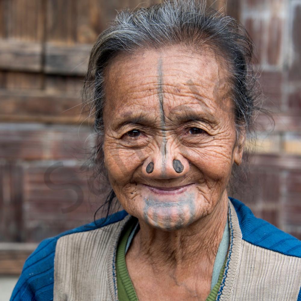Apatani woman smile ejk14h