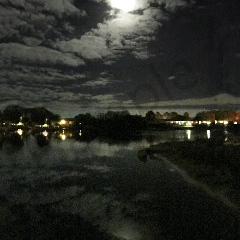 Moon reflected cv7xvs
