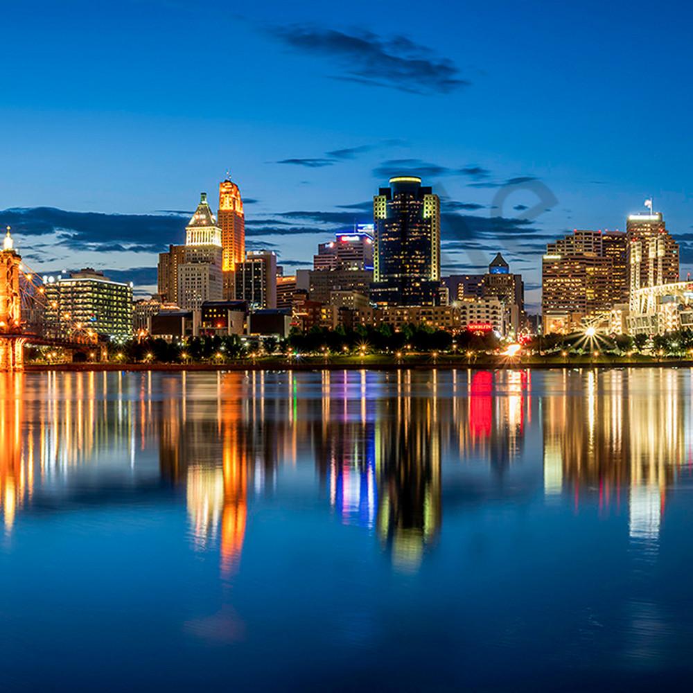 Cincinnati at blue hour rwmqsg