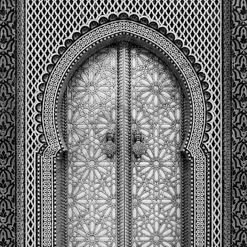 Palace doorway bw 16x24 tgmbok