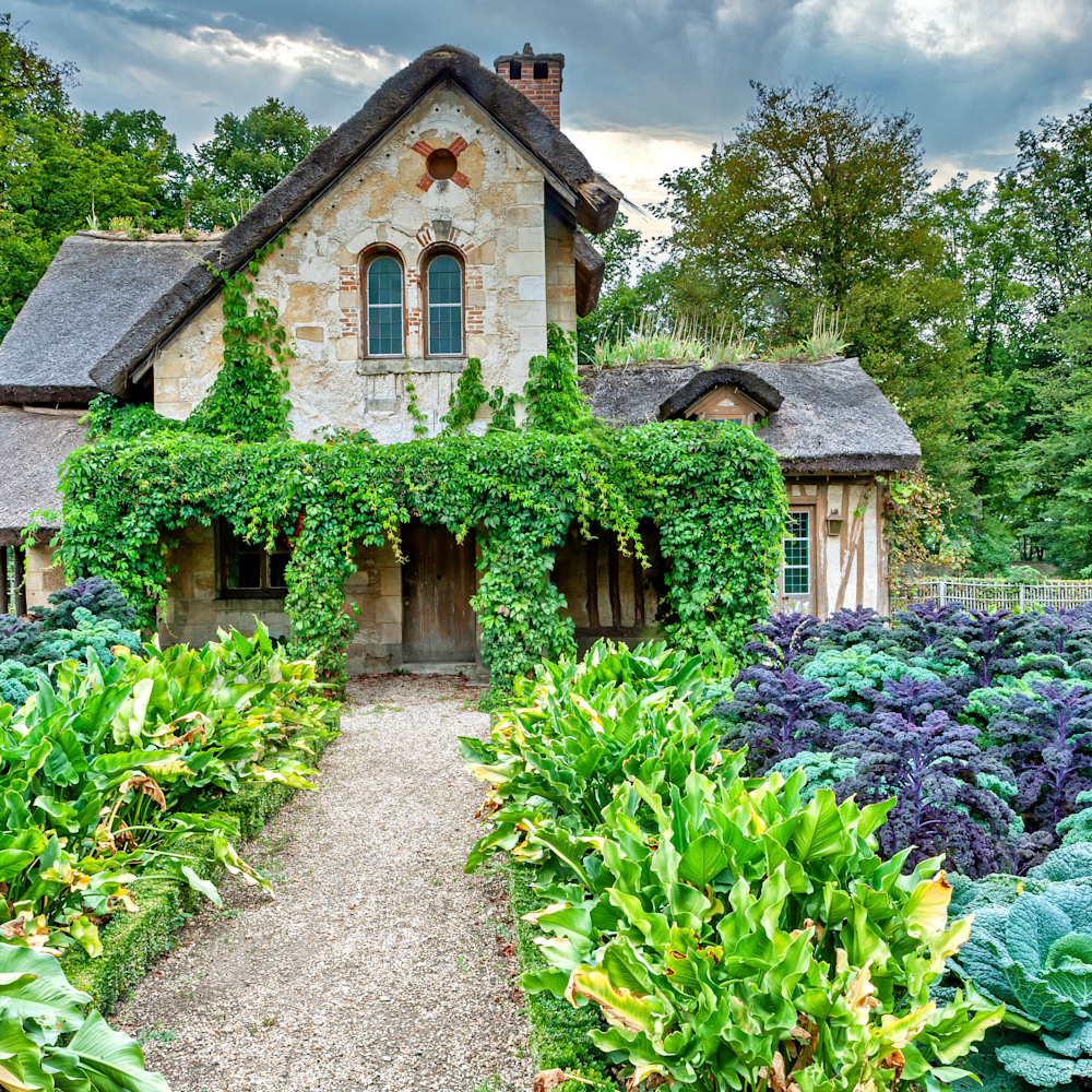 Kale garden and house in versailles france uscfea