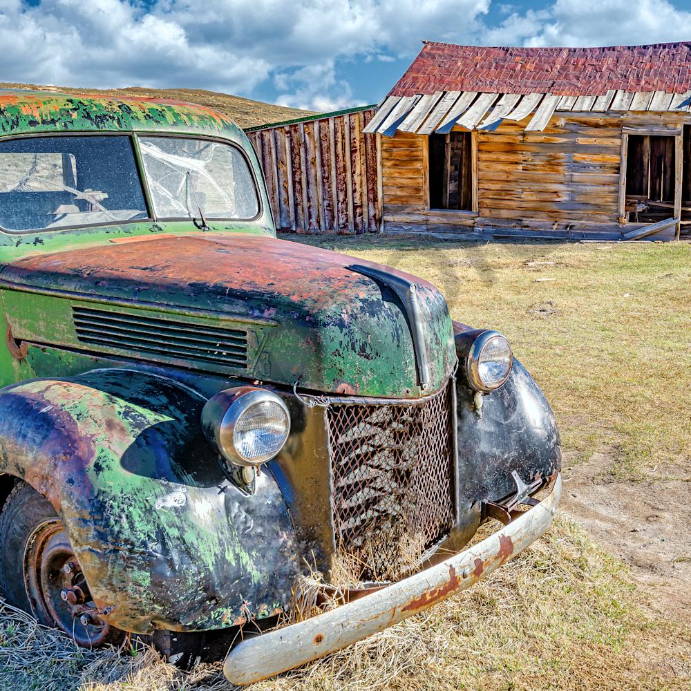 Old truck in bodie ghost town california vbthfz