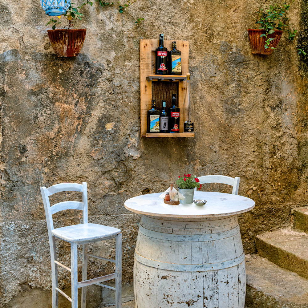 Barrel for two. tropea calabria italy k4t9s3