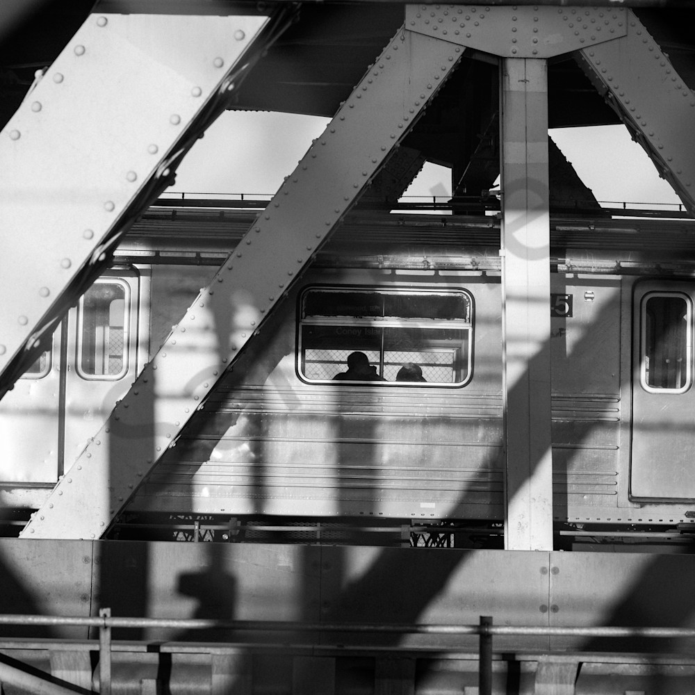 Subway bridge nyc mumq32