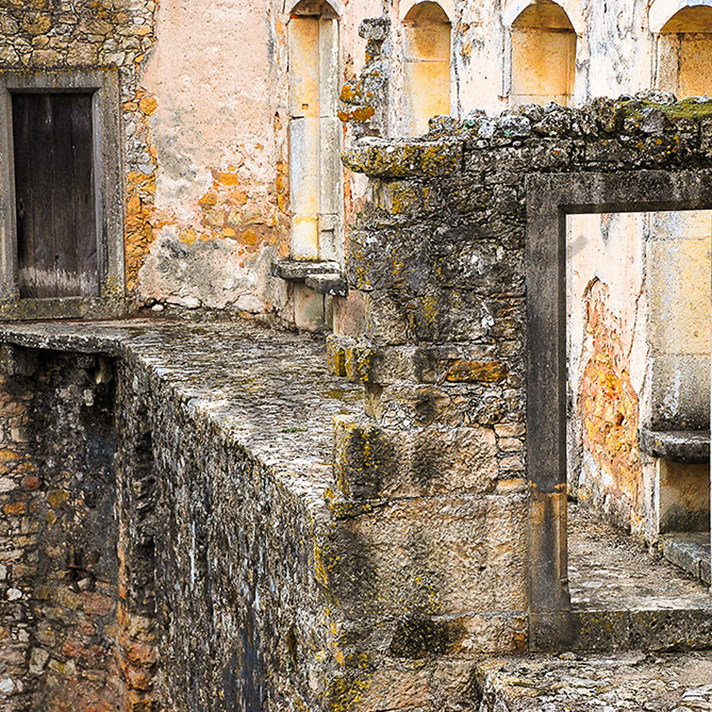 Ancient doorway in portugal br1b6z