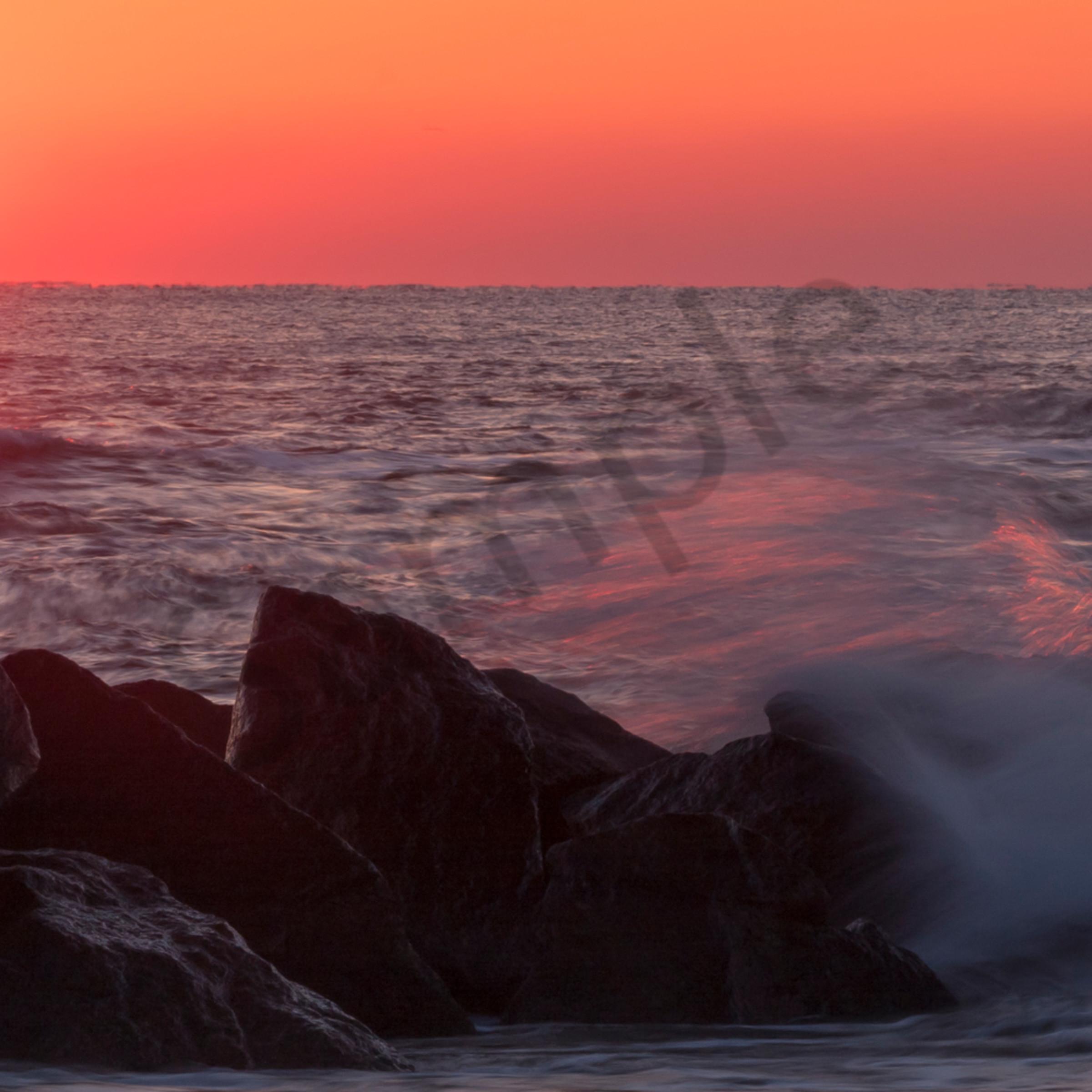 Sea wall sunrise 2 c v1yckz