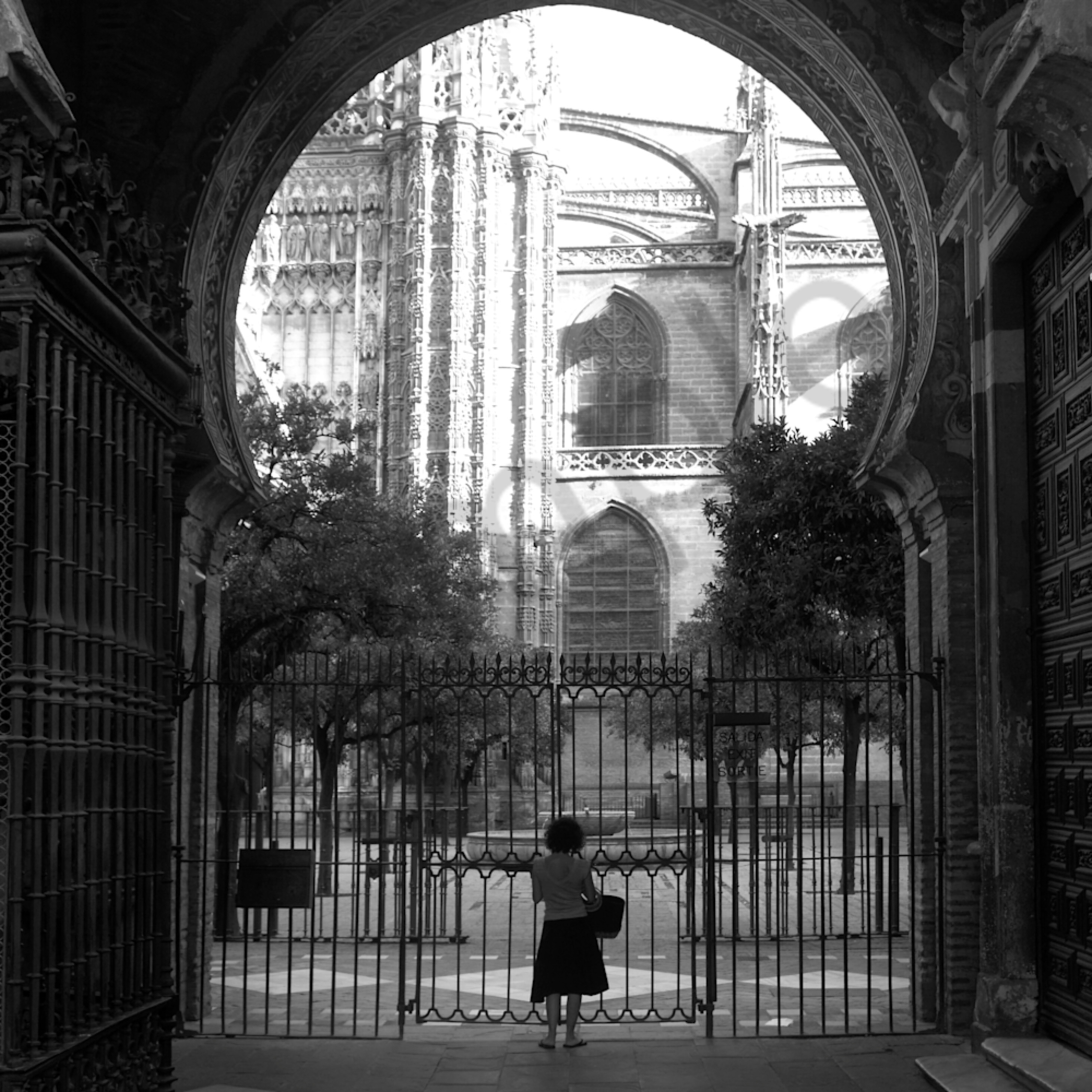 At the gate rduco8