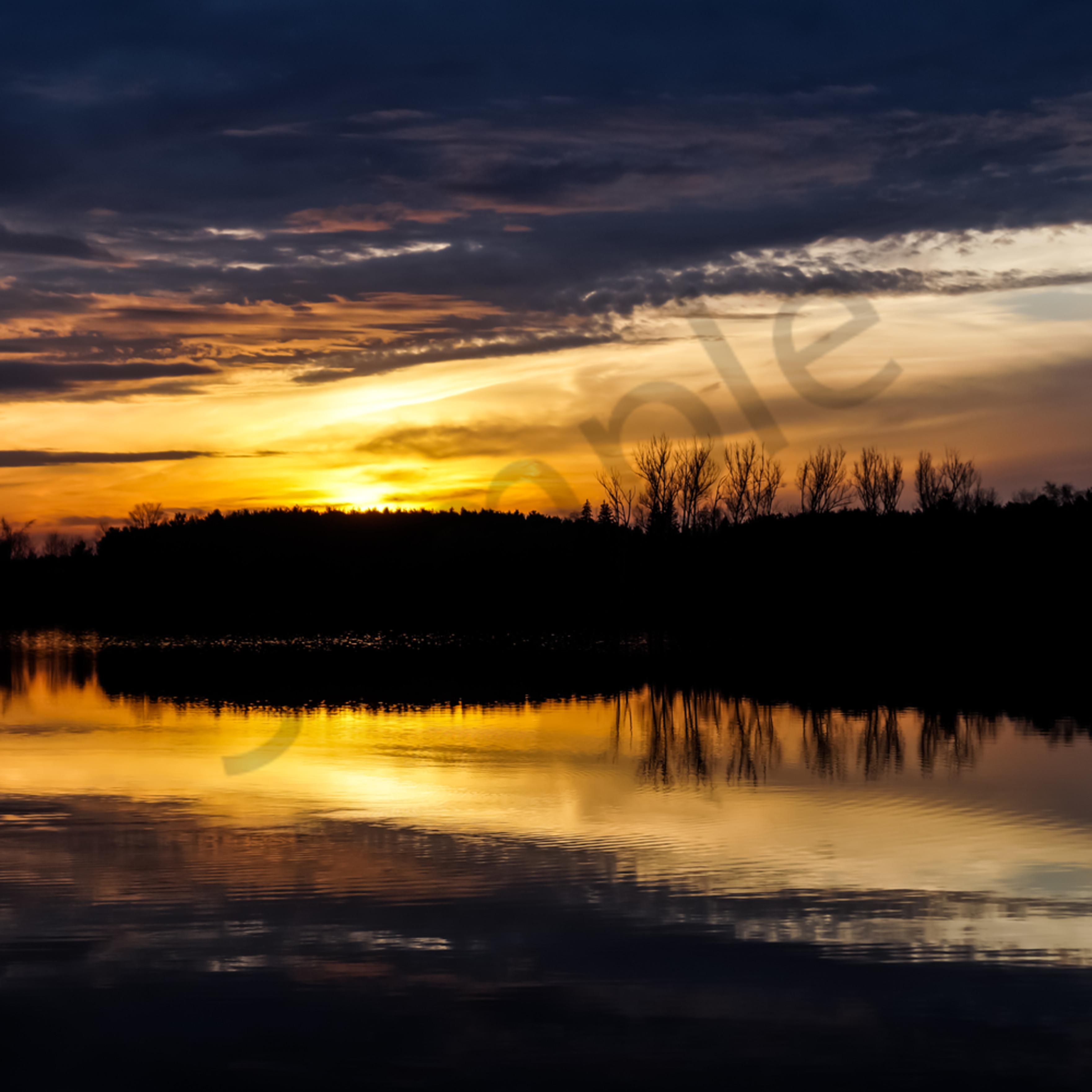The lake at dusk yc6eid