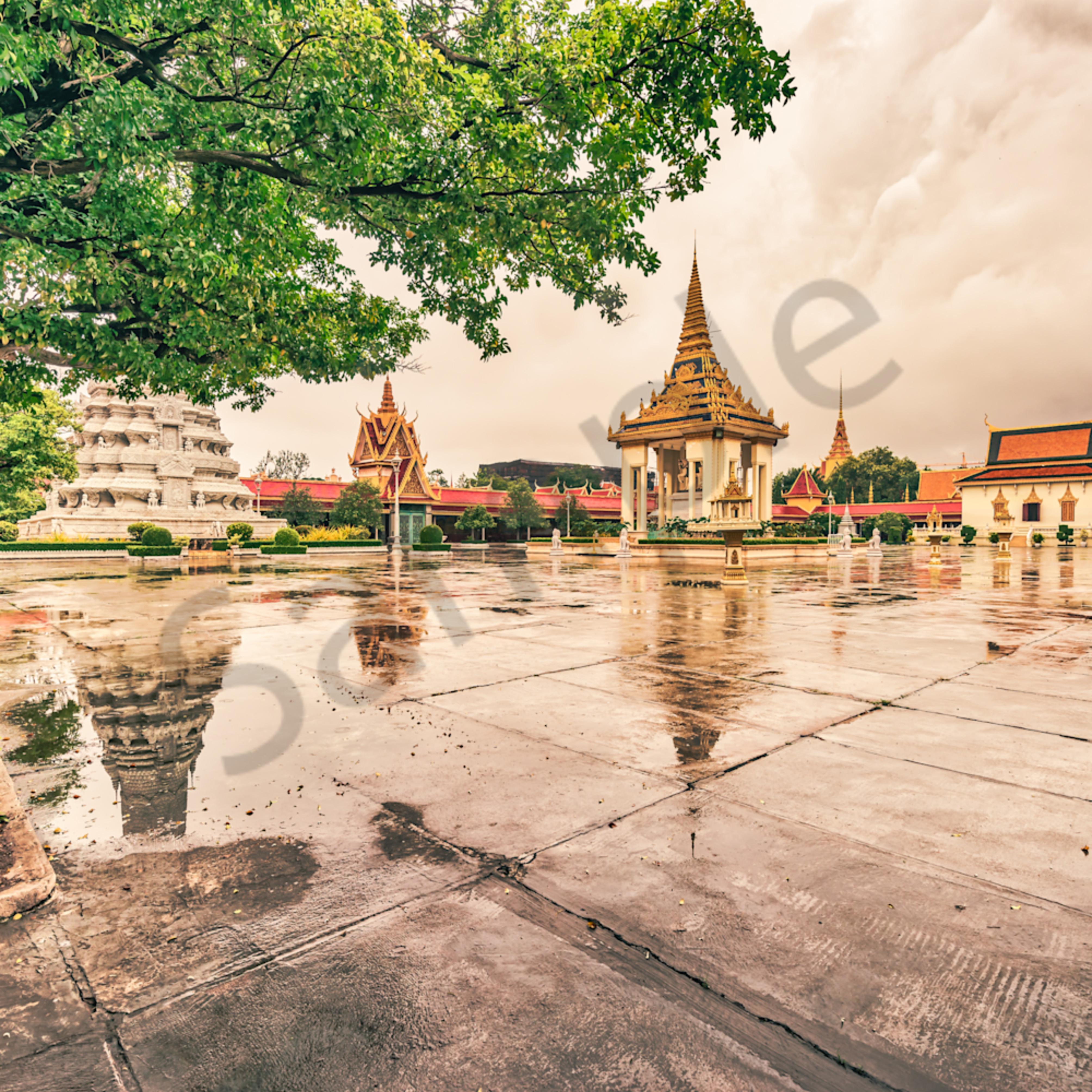 The royal palace in phnom penh v7ou8b