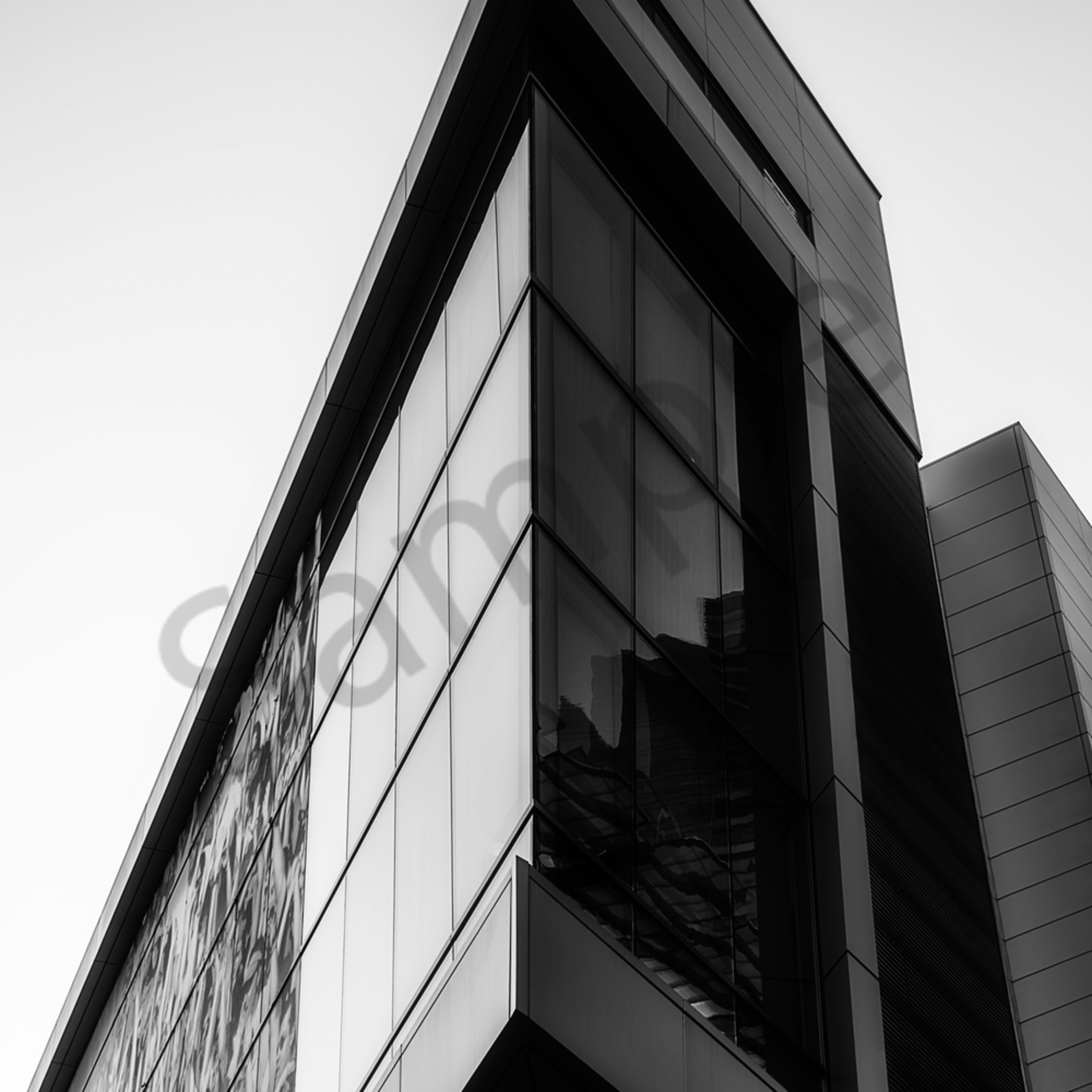 Geometric 02 angular building bw dsc 0594 vp5mtc