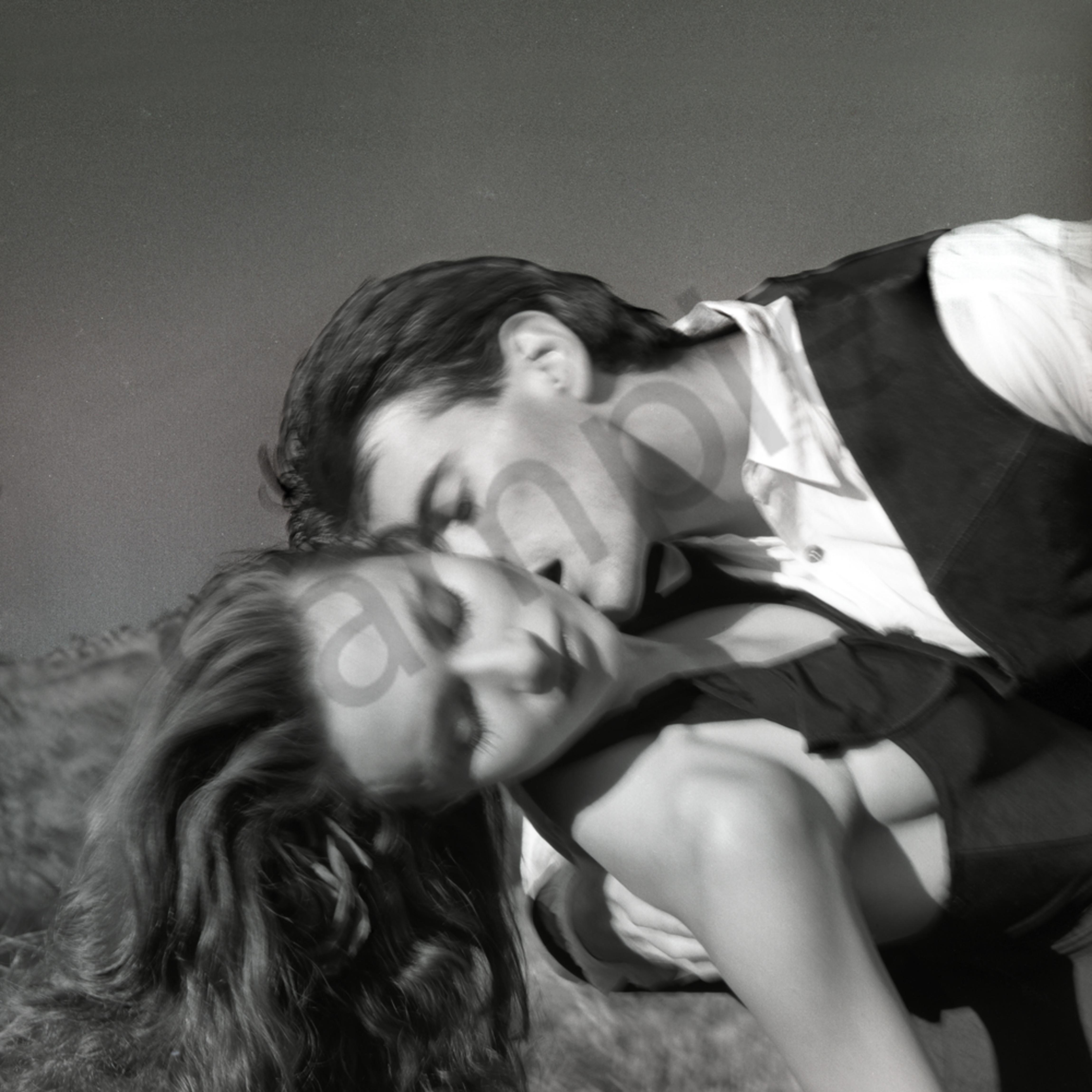 Romance crop aych3r