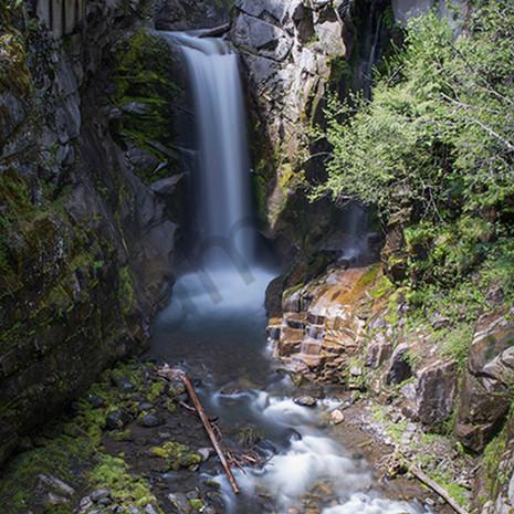 Clandestine falls ad yh4ucv