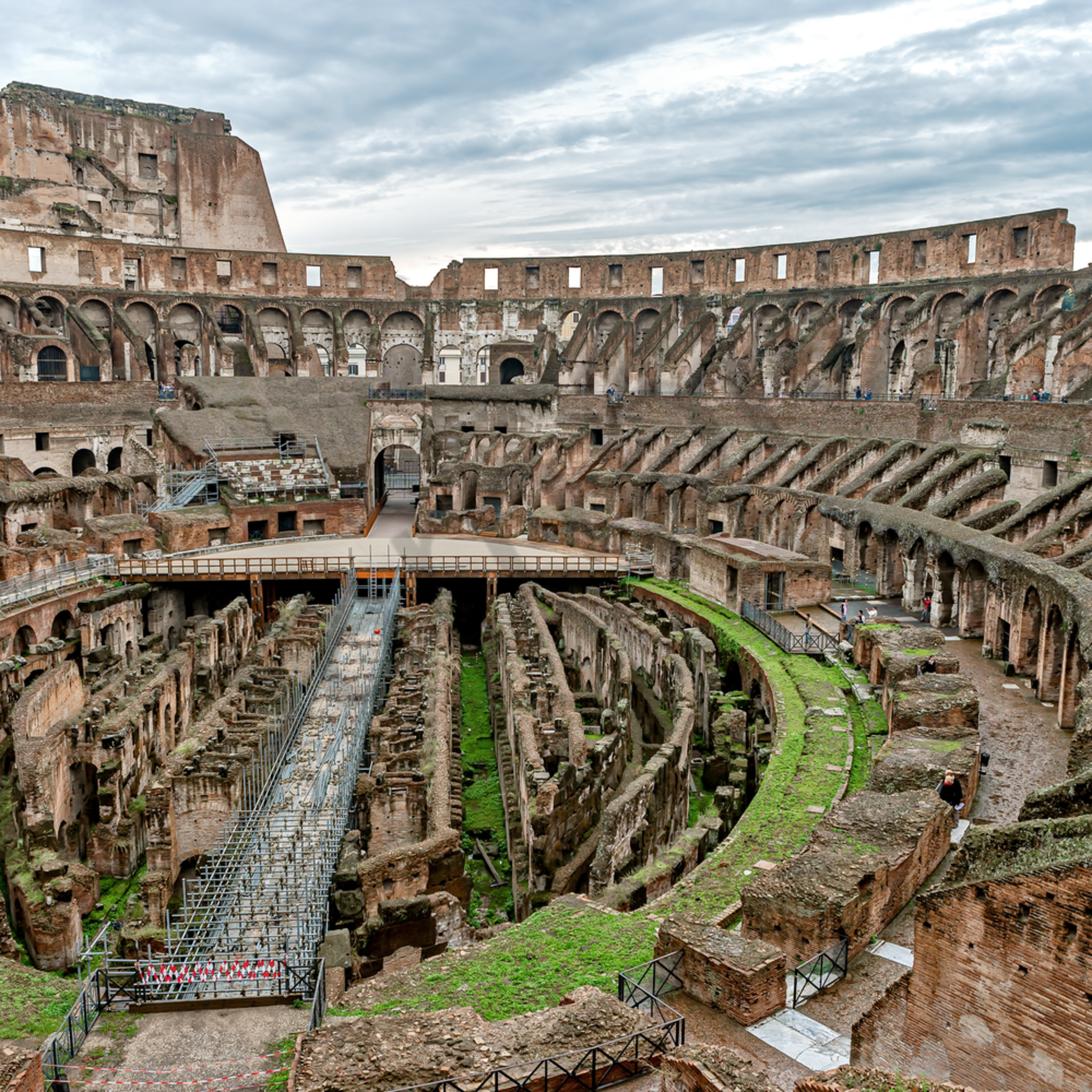 The inside of the roman colosseum rome italy syq9hr