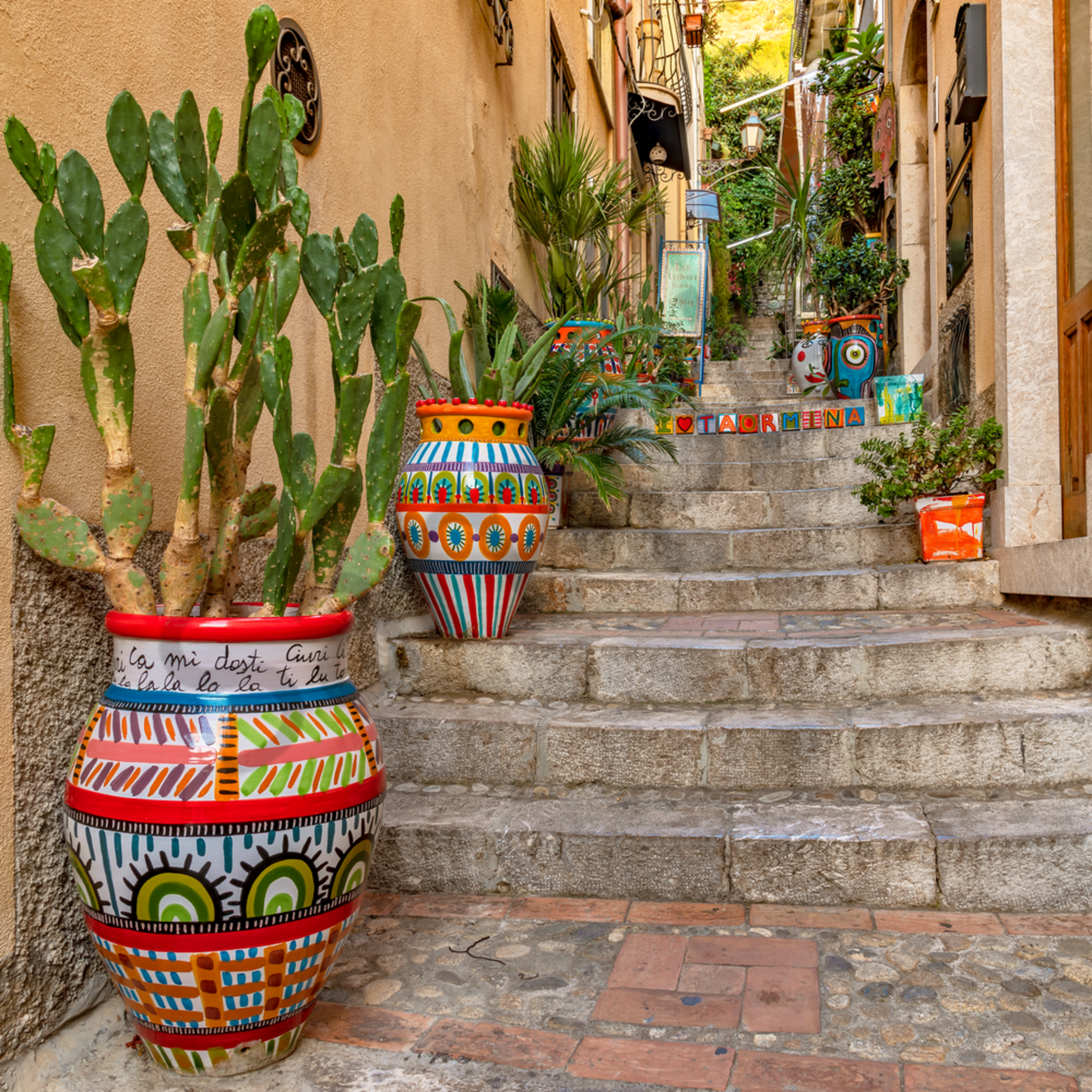 Pottery and stairs taormina sicily italy jzqqf1