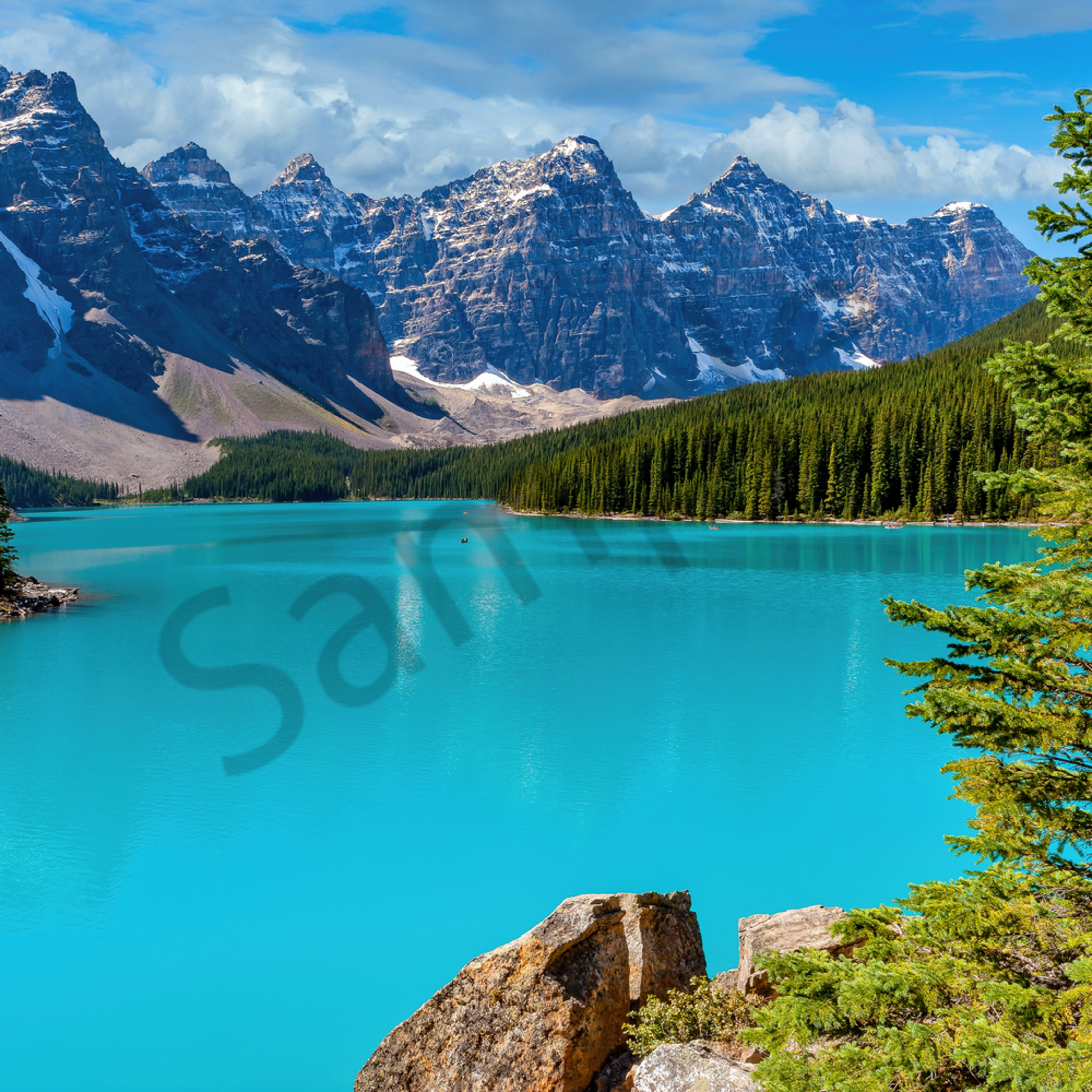 Moraine lake and overlook bannf national park canada qmstqu