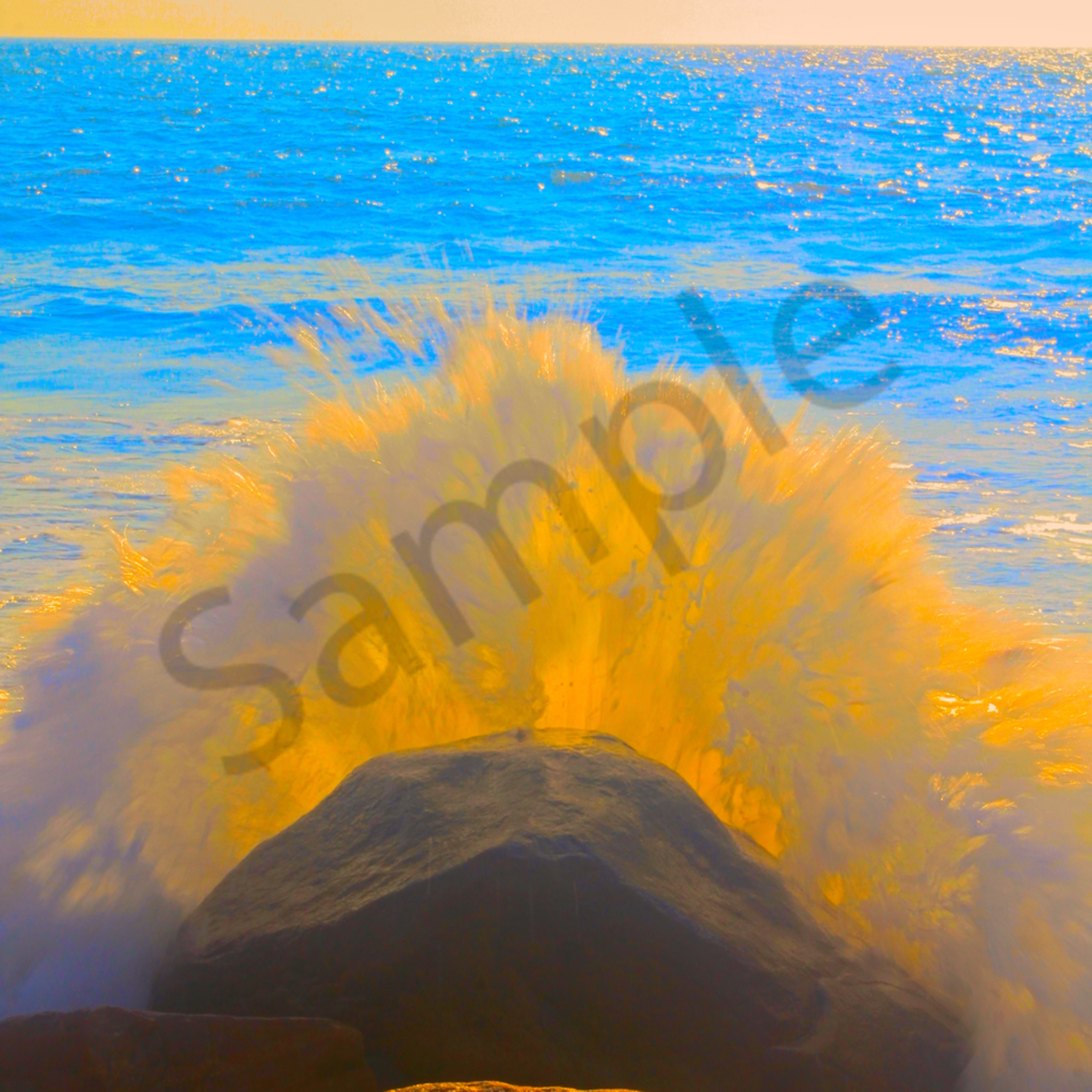 Crashing wave website l4azx3