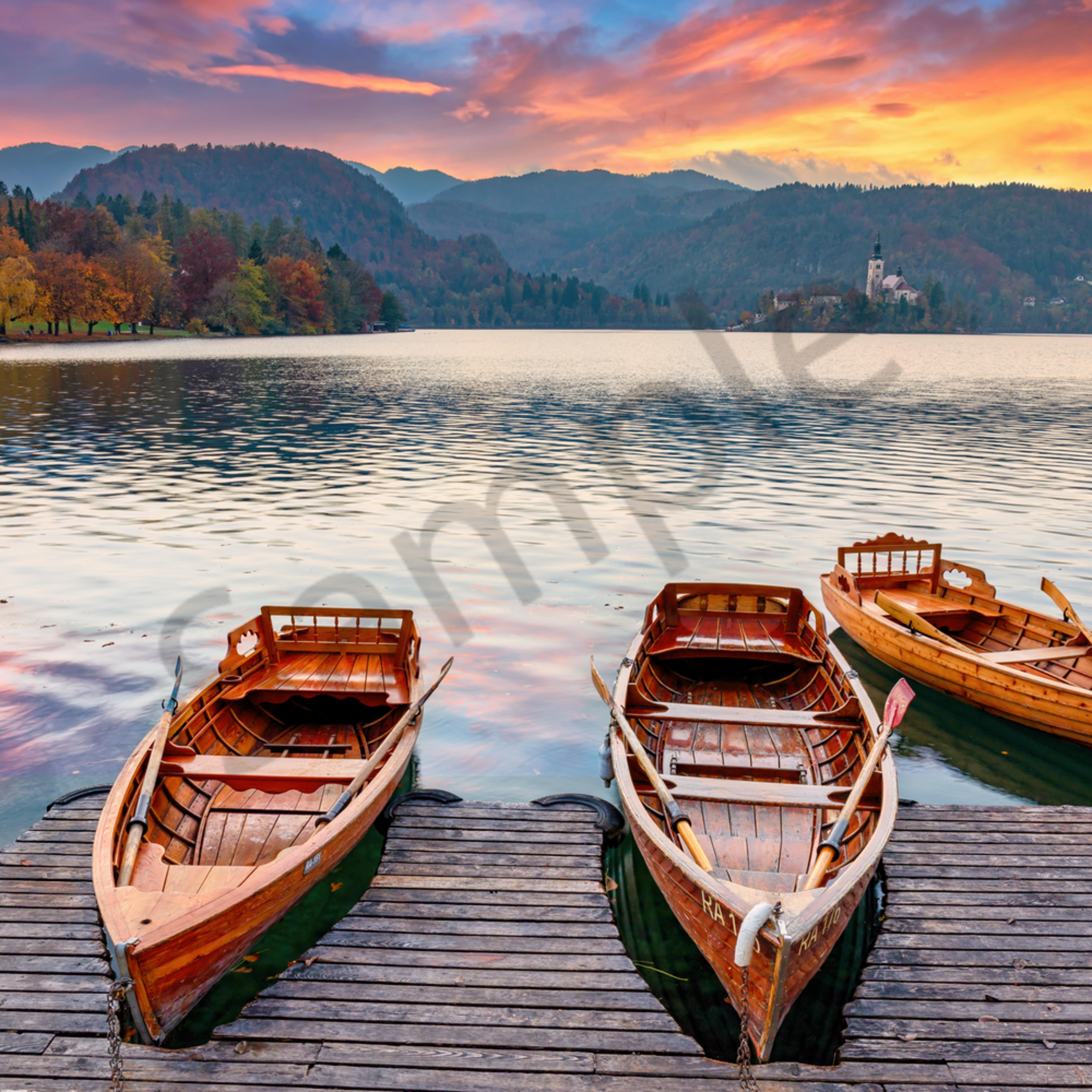 Lake bled and row boats slovenia sbqfja