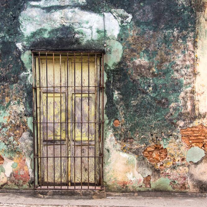 Trinidad old wall q5ukuc