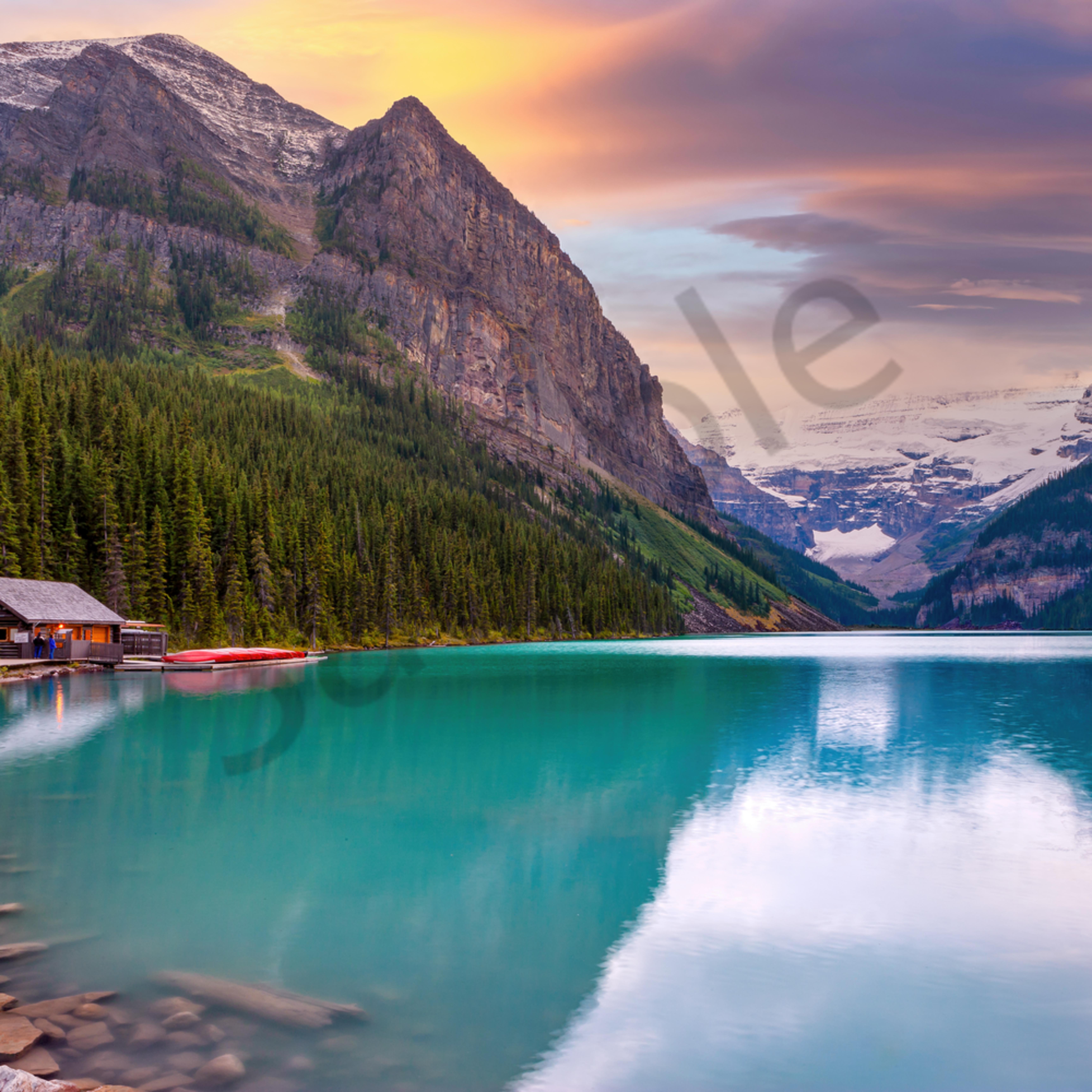 Lake louise banff national park alberta canada emei03