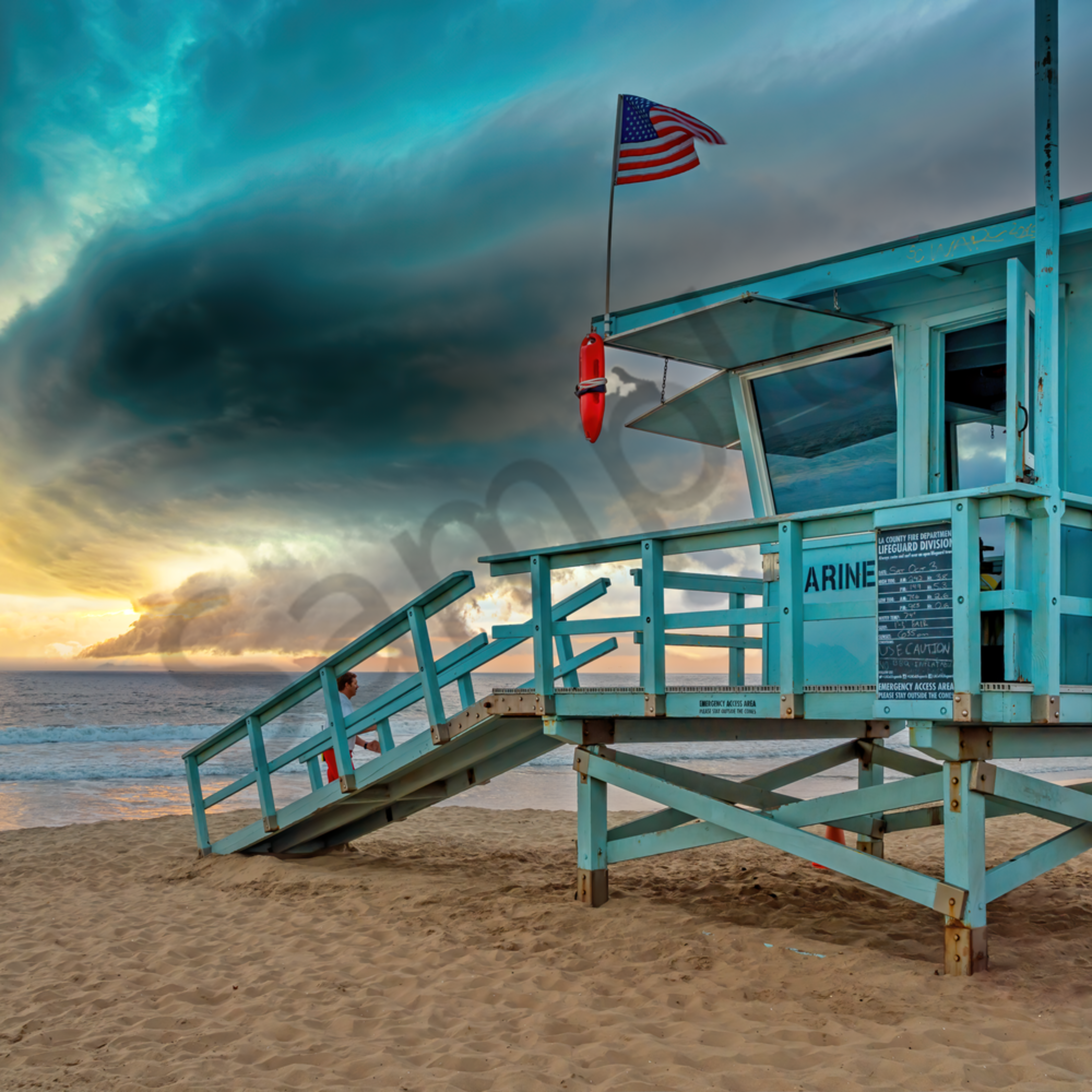 La beach and stormy skies california qwgtly