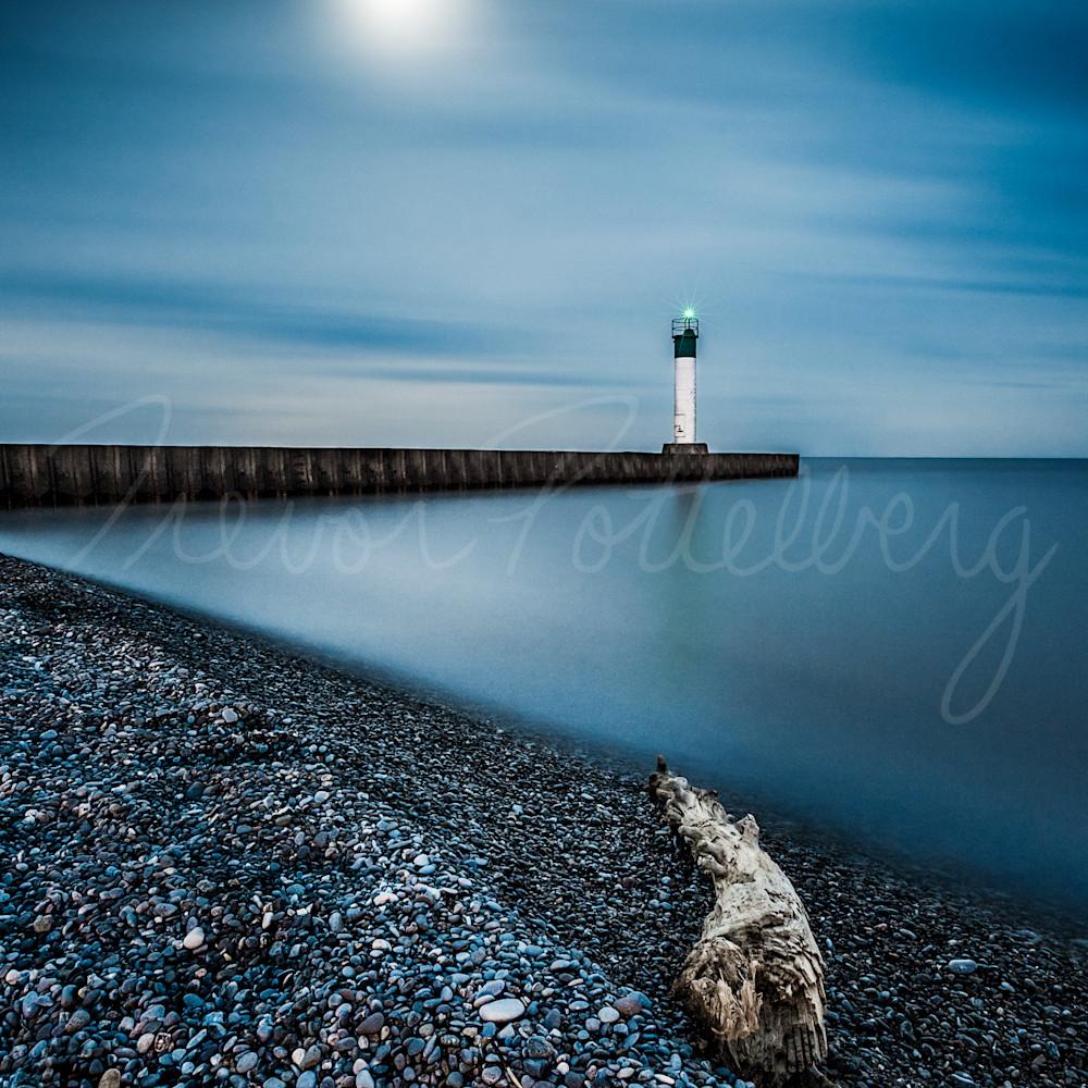 Full moon over port bruce ipxyrr