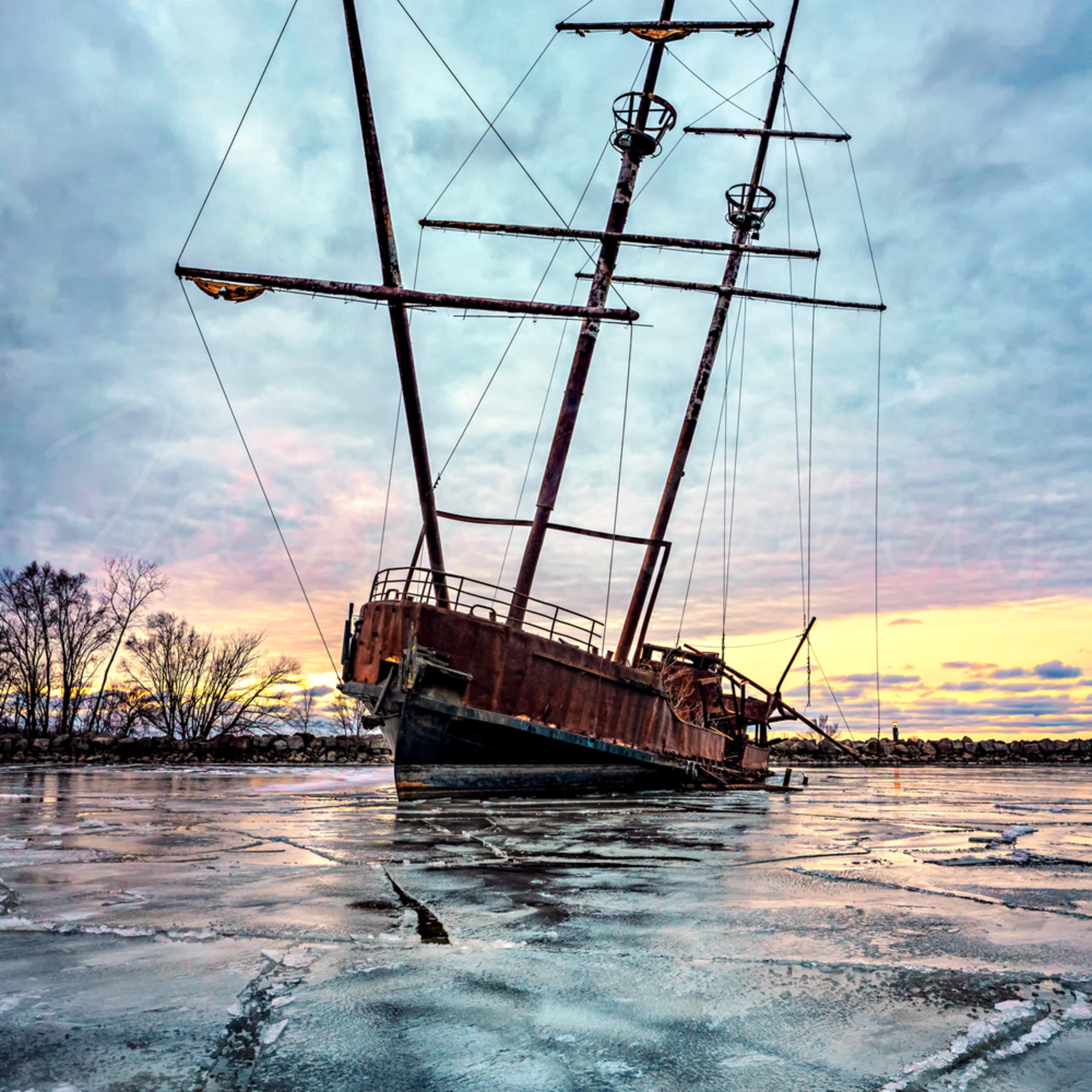 Frozen wreck glmicg