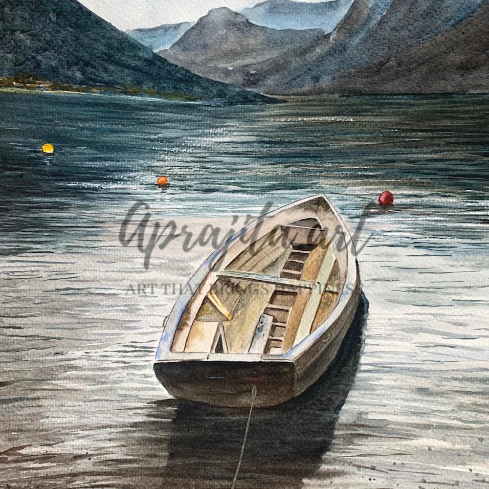 A boat at lake cuomo vozcgp