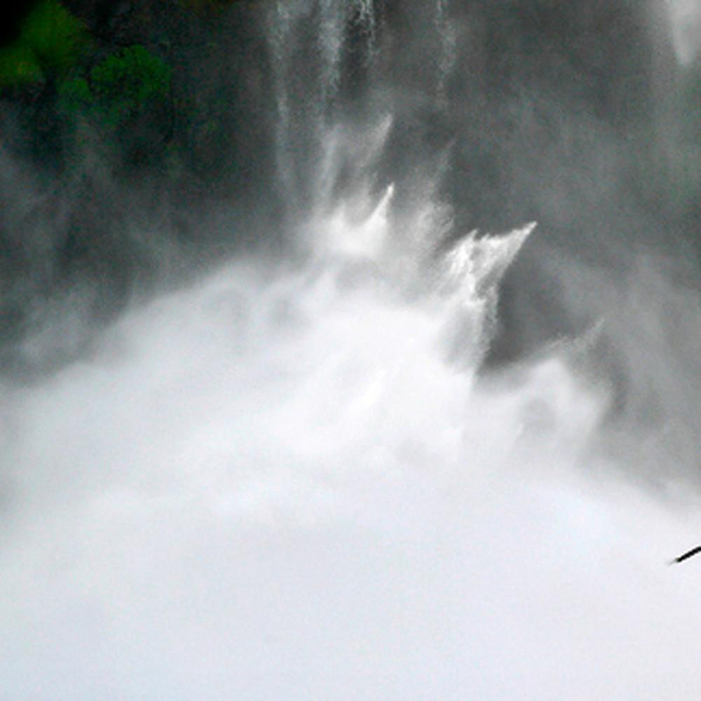 Lakes rivers and waterfalls 025 o02wan