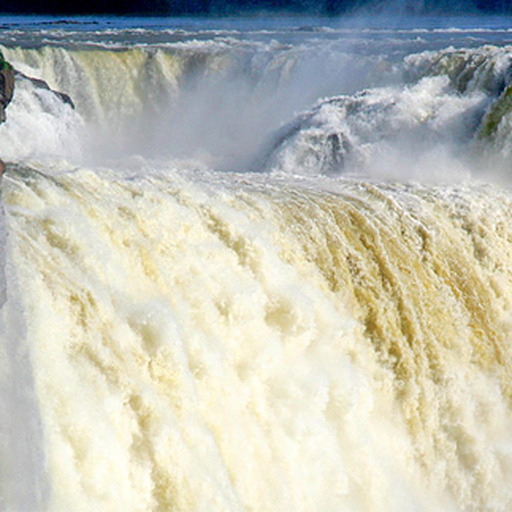 Lakes rivers and waterfalls 029 pegoei