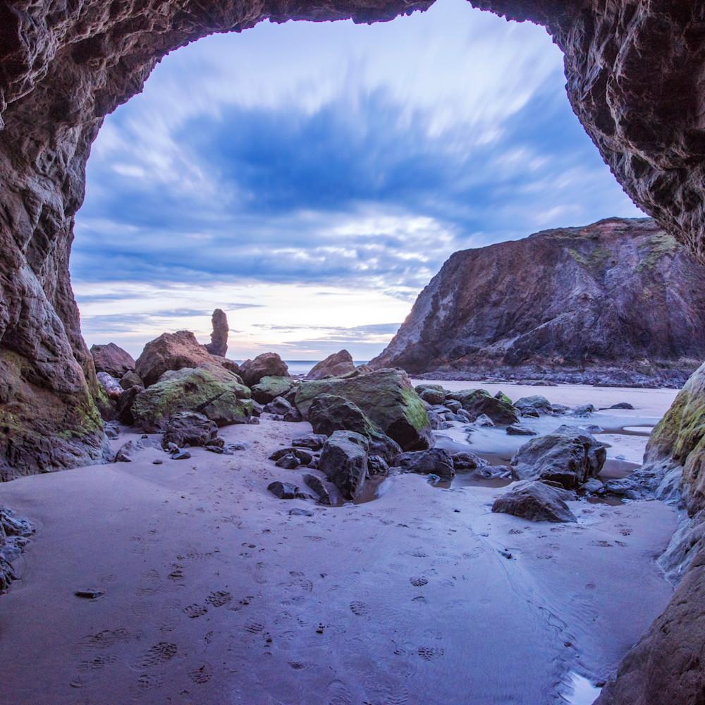 Bandon beach cave u2qs0d