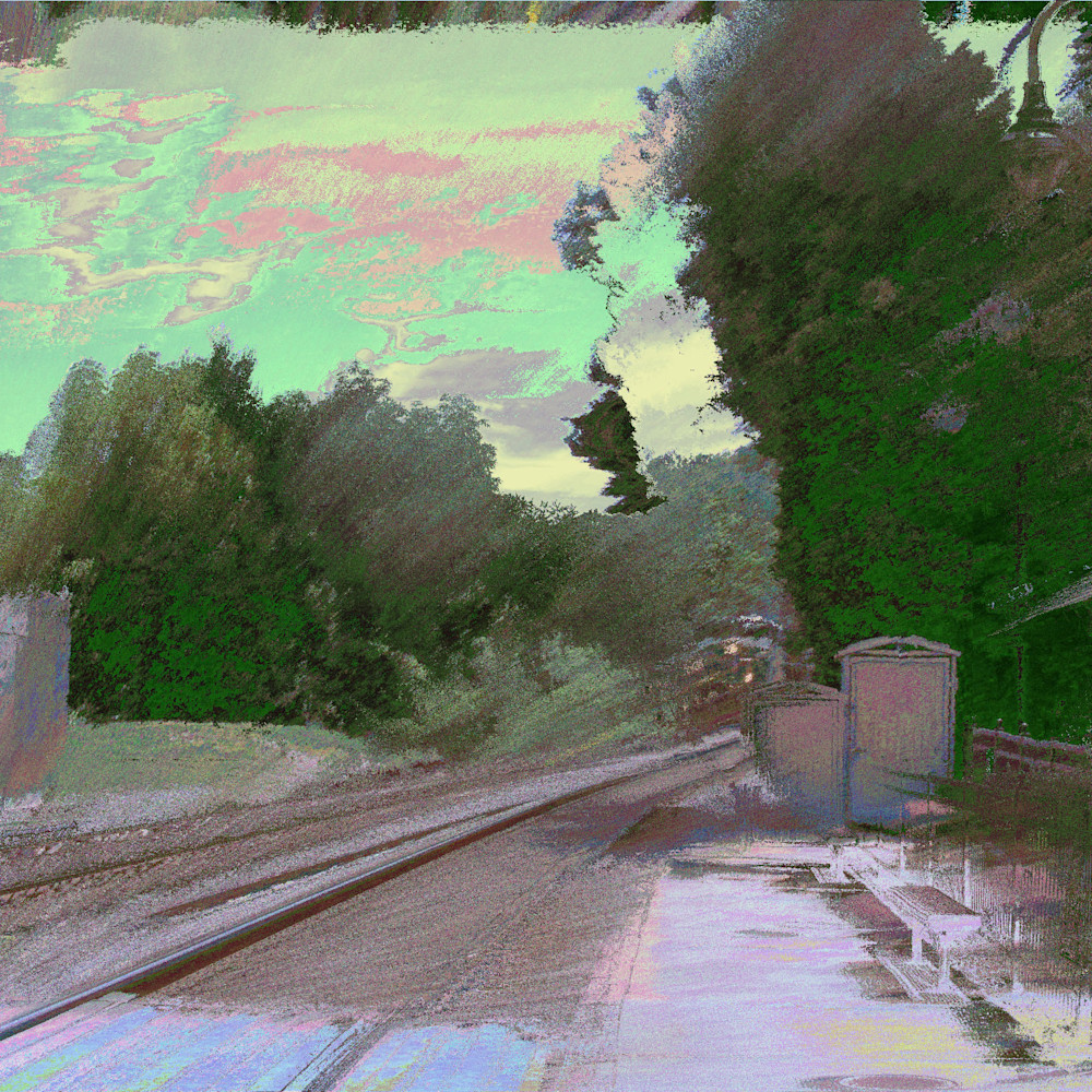 The train approaches kensington dawn i eedkou