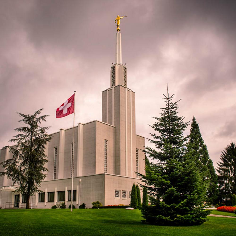 Sj00903 switzerland temple   morning with flag sp3pzl