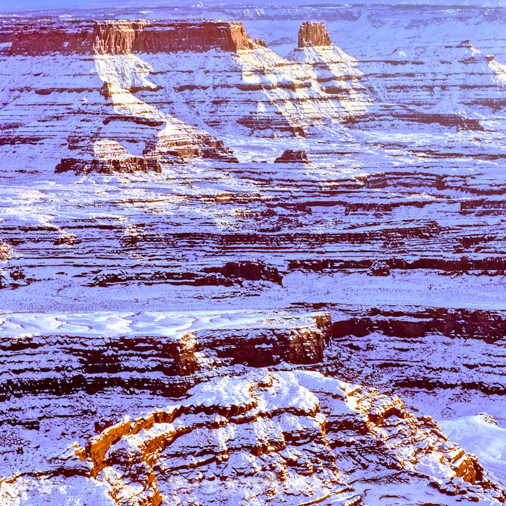 Winter dusk in canyonlands izlqei