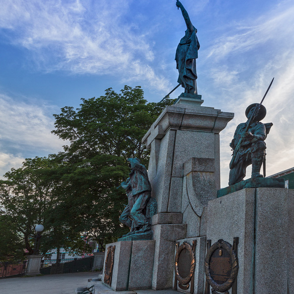 War memorial d0zozo