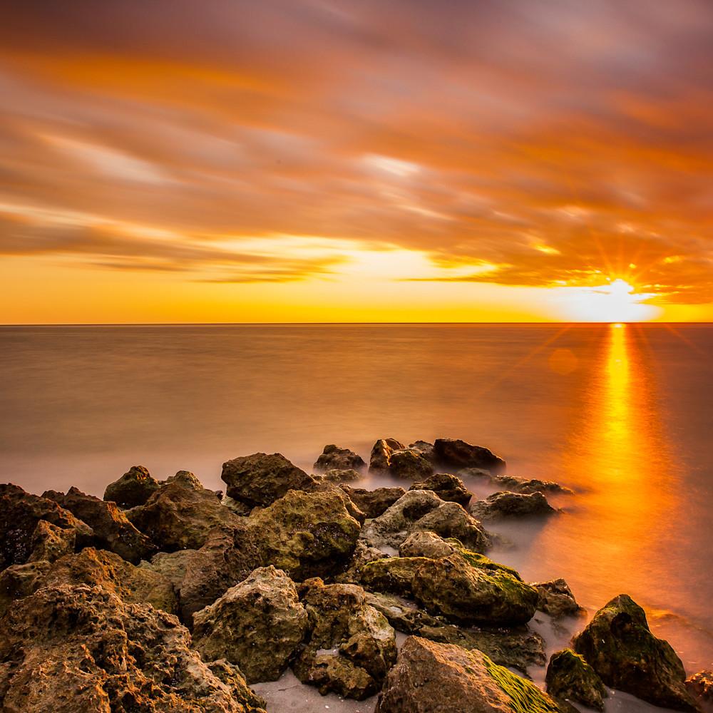Sunset rocks 02 pb4iyh