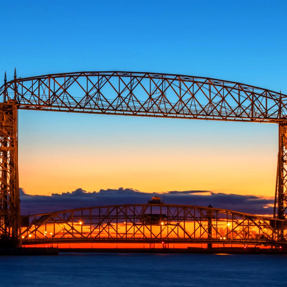 Duluth lift bridge dawn l6siiy
