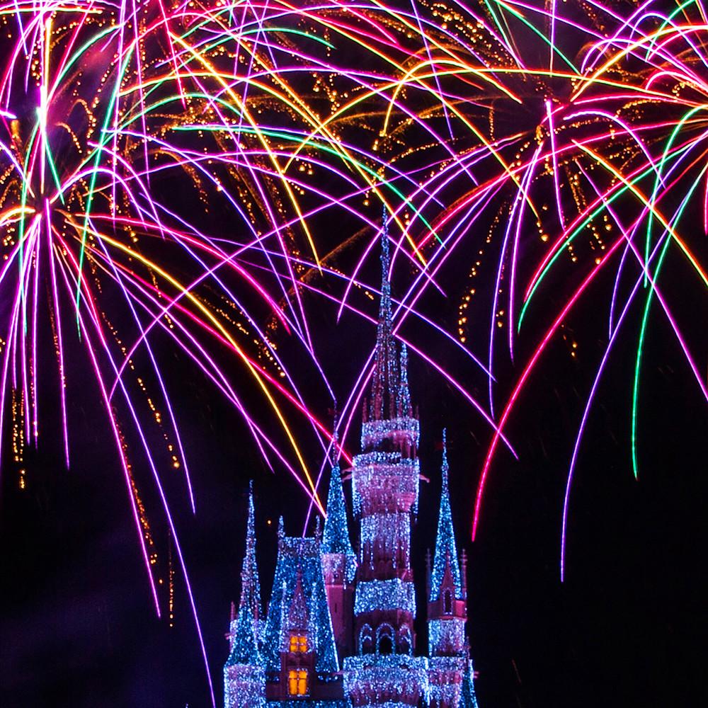 Disney christmas fireworks lbesuf