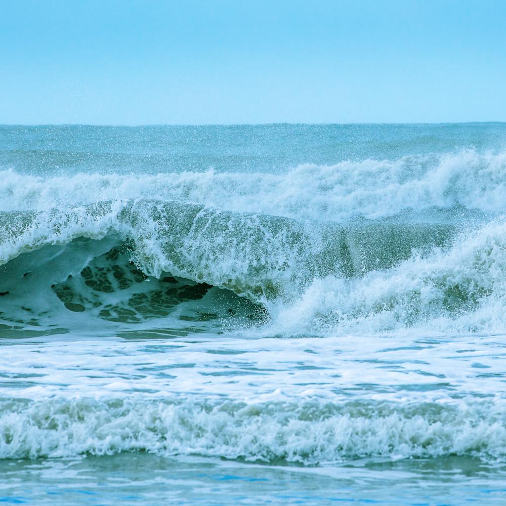 Wave 03 owomea