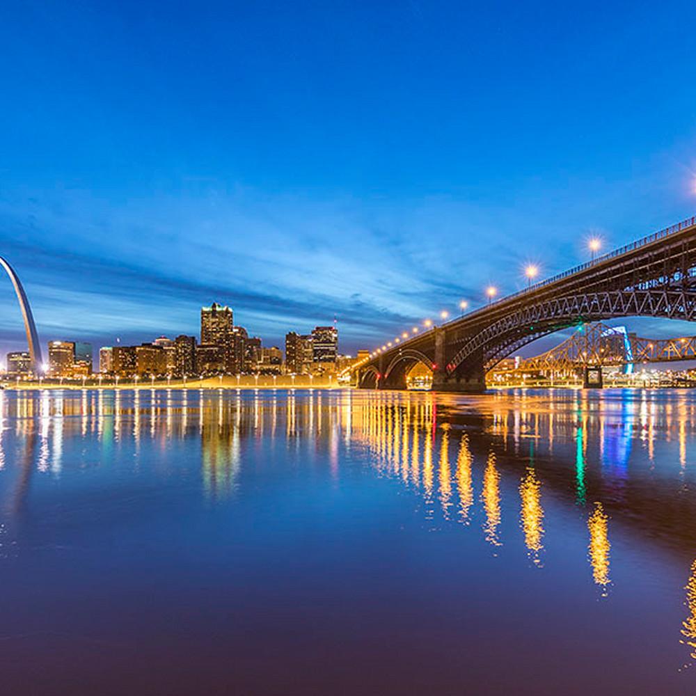 Blue hour over eads bridge jy4yok