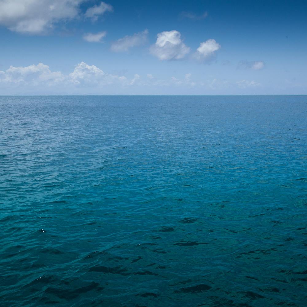 The blue sea phxiyr