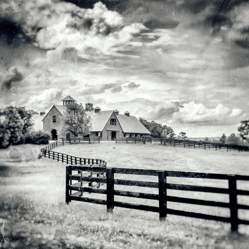Barn with fence lrcbf6