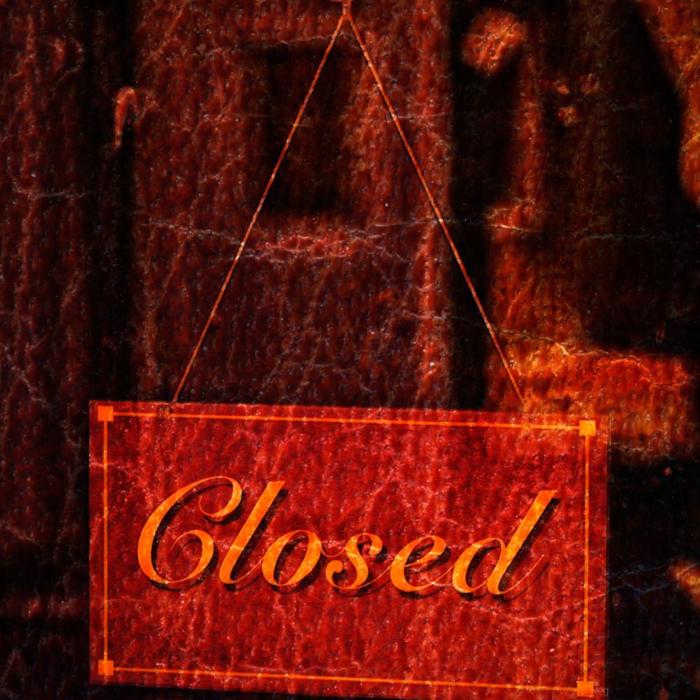 Closed red 20141130 095913 lc 065 1 tzwyno