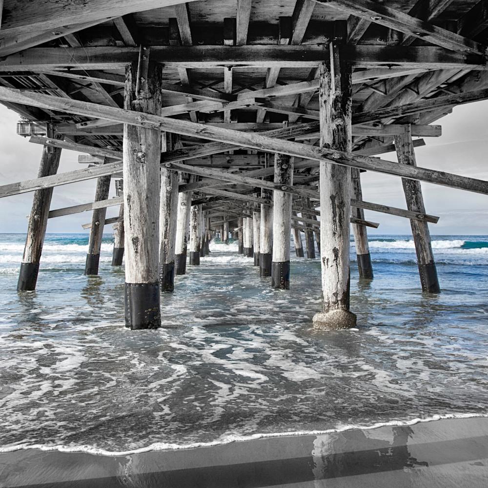 Newport pier 24x36 m9291k