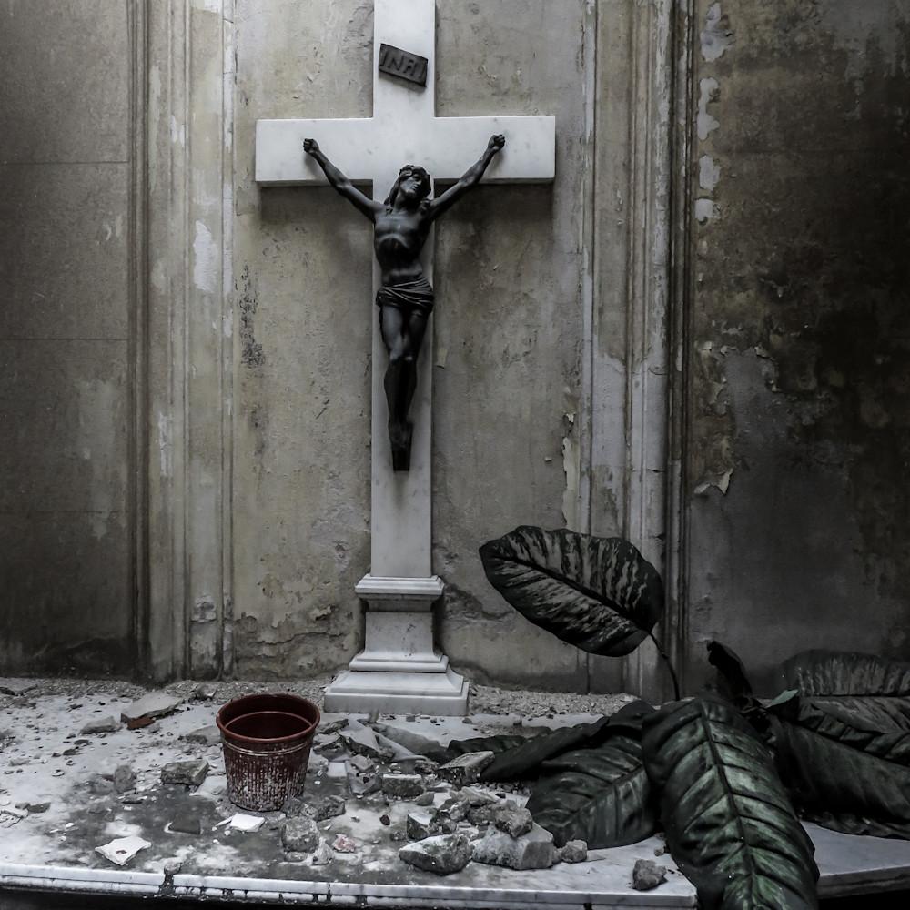 Requiem qw8fjr