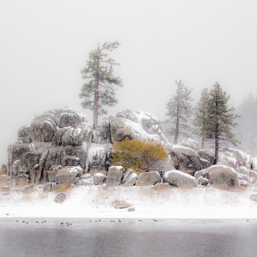 Rock outcrop in snow   big bear p7f9hw