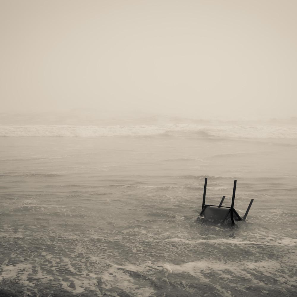 Chair washed ashore rhm42e