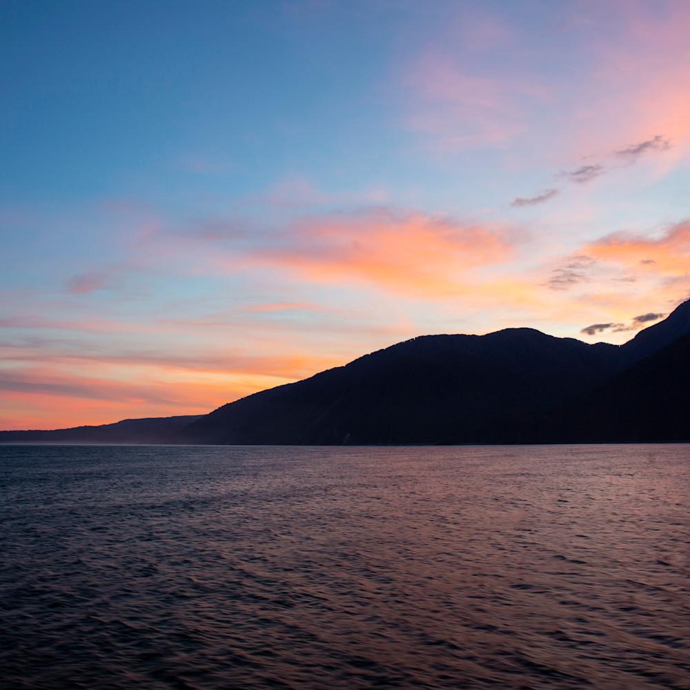 Dawn upon the tasman sea zvc7f9