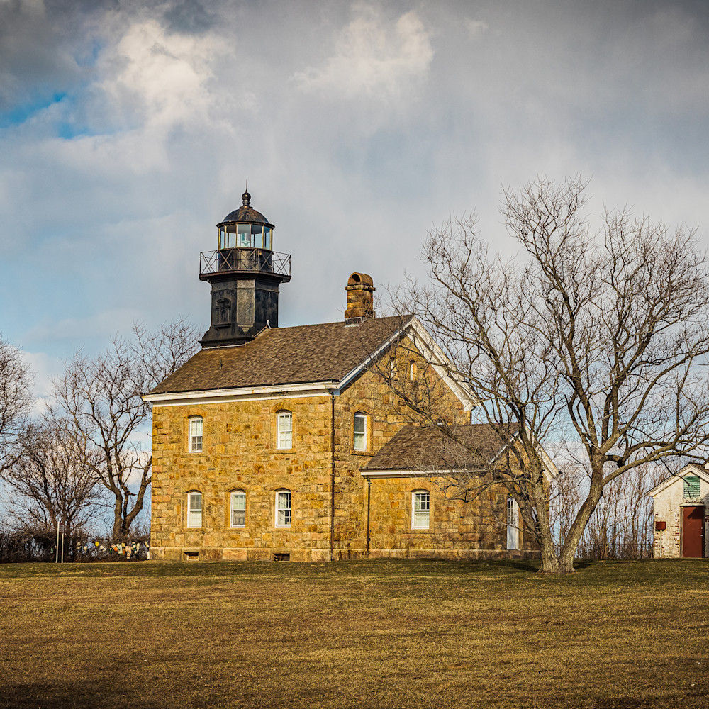 Old field lighthouse f1rnwt