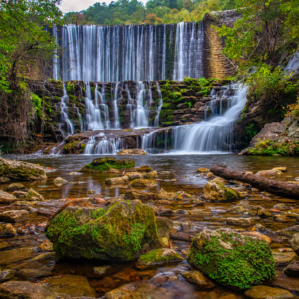 Andy crawford photography arkansas blanchard springs waterfall 1 c5ezcw